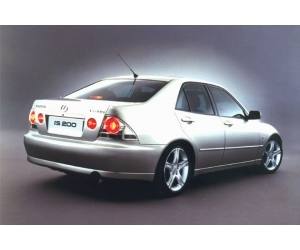 ����������� �������������� ���������� Lexus IS 200