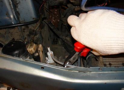 Ремонт и замена гидрокорректора фар ВАЗ 2110