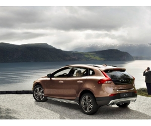 ����� ���������� Volvo V40 Cross Country
