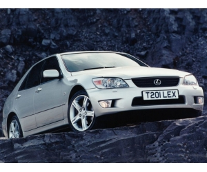 Автомобиль Lexus IS 200