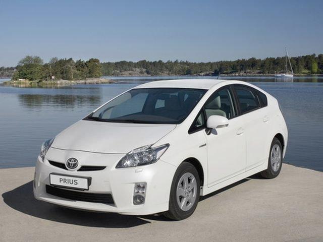 Отзывы владельцев Toyota Prius (Тойота Приус) с ФОТО